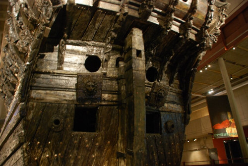 36681F9500000578-3697337-An_illustration_of_the_Mary_Rose_from_the_Anthony_Roll_which_sho-a-34_1468929132467.jpg