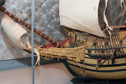 2009-10-03 - USNA Museum - 169 - Sovereign of the Seas - English 1st Rate 100-Gun Ship of 1637 (bow) - _DSC7570-L.jpg